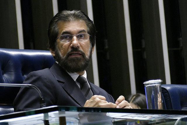 Celso de Mello arquiva inquérito contra senador Valdir Raupp