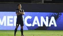 Artur faz golaço no fim e Bragantino avança às semis da Sul-Americana