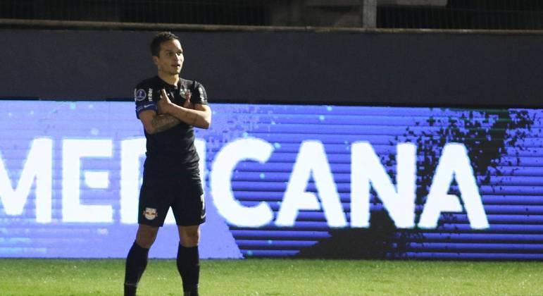 Com golaço de Arthur, RB Bragantino confirma vantagem e avança na Sul-Americana