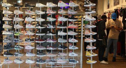 Venda de roupas e calçados cresceu quase 17%
