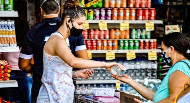 Retomada depende de indicadores estáveis do sistema de saúde e da pandemia