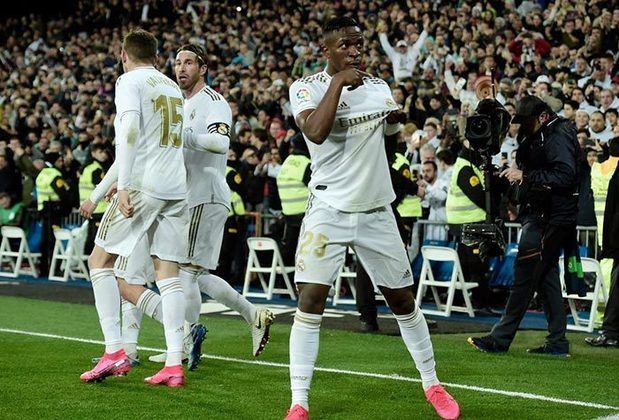 Real Madrid - Courtois, Carvajal, Varane, Éder Militão, Mendy; Casemiro, Modric, Kroos, Rodrygo, Hazard e Benzema. Técnico: Zinédine Zidane.