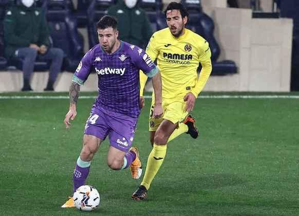Real Sociedad, Real Betis e Villarreal, quinto, sexto e sétimo, respectivamente, brigam por duas vagas na Liga Europa. Os dois primeiros irão para o segundo torneio mais importante na Europa. O terceiro disputará a Conference League.