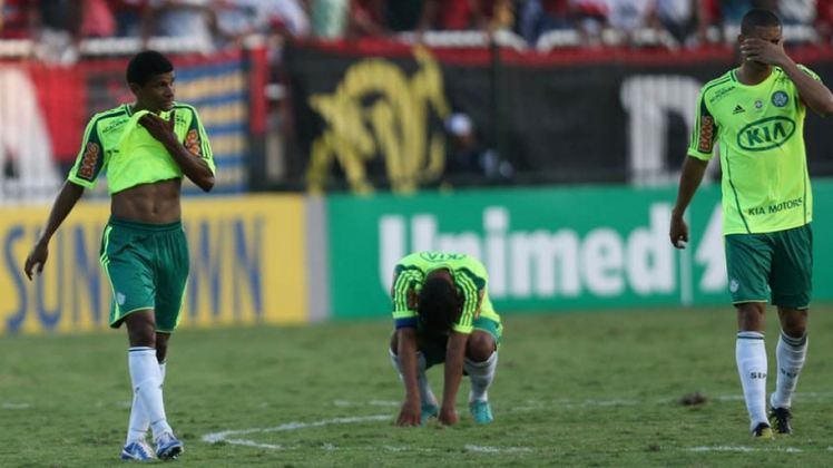 Rebaixamento em 2012: Já sem Felipão, o Verdão amargou a segunda queda ao final da temporada e passou a ver o ano seguinte como o primeiro passo para a reconstrução sob o comando de Paulo Nobre, o novo presidente.