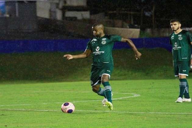 REBAIXAMENTO - GOIÁS - O Goiás será rebaixado neste Brasileirão, segundo a votação da redação do Lance. O Esmeraldino também recebeu dez votos dos participantes e será mais um clube a ir para a Série B.