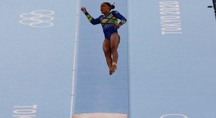 Rebeca Andrade em prova de salto