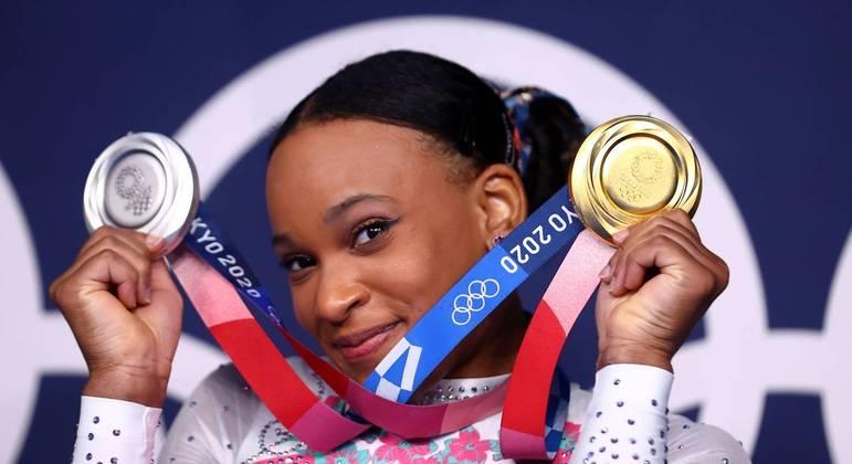 Aos 22 anos e em sua primeira Olimpíada, Rebeca Andrade se tornou lenda da ginástica brasileira