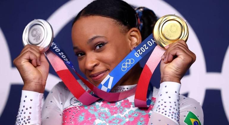 A ginasta Rebeca Andrade fez história ao conquistar um ouro e uma prata em Tóquio