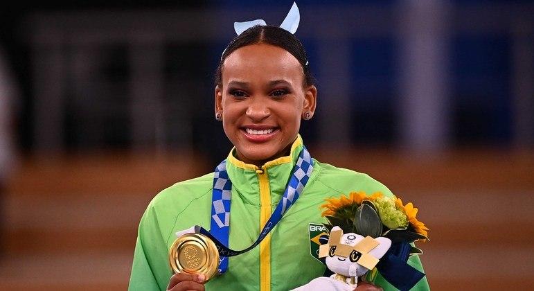 Rebeca Andrade ganhou a medalha de ouro na prova do salto na Olimpíada de Tóquio