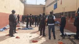 Bomba explode na mão de detento em rebelião na Casa de Custódia de Vila Velha (Divulgação/Folha de Vitória)