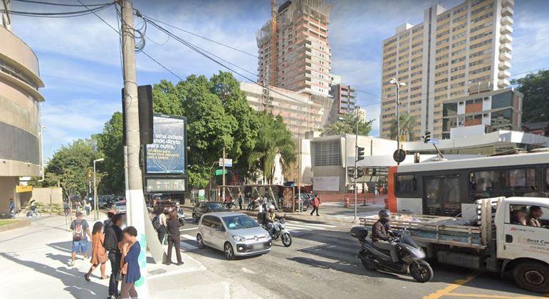 Cruzamento da avenida Rebouças com a rua Oscar Freire, na região de Pinheiros