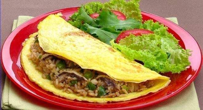 Receitas com sobras de arroz Omelete com Arroz