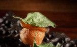 5.Mandioquinha Dauphine recheada com espinafre, do chef Dante BassiIngredientes: 500g mandioquinha descascada e cortada em pedaços3 colheres de sopa (43g) Manteiga sem sal1/2 xícara (60g) de farinha de trigo ovosSal e pimenta a gostoÓleo de canola para fritarPurê de espinafre400g de folhas espinafre (já catadas lavadas)1/2 cebola picada finamente1 1/2 dente de alho picado finamente 1/2 colheres de sopa de manteigaSal e pimenta a gostoFinalização: Folhas de espinafre pequenas