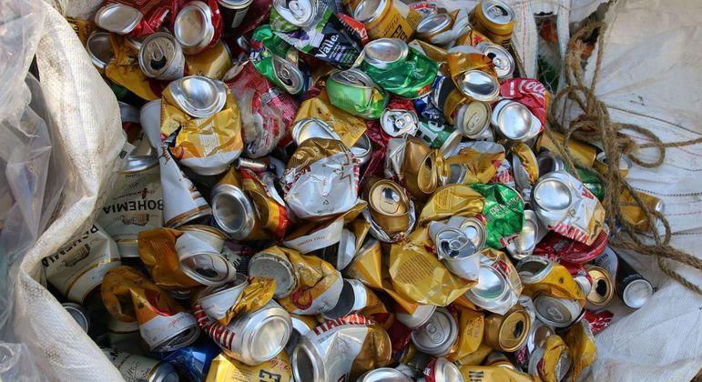 De acordo com a Abralatas, o Brasil é o terceiro maior mercado mundial de latas de alumínio.