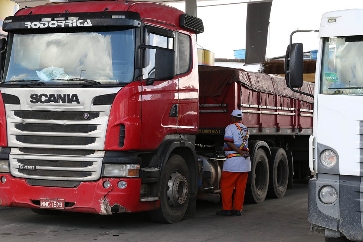 Diesel Price Drops With Agreement Between Government And Truckers News