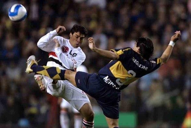Recopa 2006 - São Paulo x Boca Juniors (2006) - campeão: Boca Juniors. Na ida, vitória dos Xeneizes por 2 a 1. Na volta, o empate por 2 a 2 deu o título aos argentinos. Sul-Americana (2012) - O São Paulo se sagrou campeão, com o jogo sendo interrompido, após confusão dos jogadores do Tigres no vestiário. Eles não voltaram para o segundo tempo