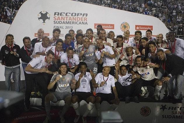 Recopa com Majestoso - Corinthians Campeão da Recopa Sul-Americana 2013 - 17/7/2013 - Conquistou seu quarto título com a camisa do Corinthians ao bater o São Paulo com vitórias na ida e na volta