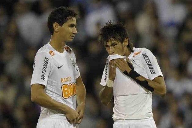 RECOPA SUL-AMERICANA 2012 - O Santos bateu a Universidad de Chile por 2 a 1. Foi o primeiro jogo de Neymar sem o parça Paulo Henrique Ganso, que foi para o São Paulo. Não fez falta... Neymar chamou a responsabilidade, jogando com alegria. Embora tivesse perdido um pênalti, não se intimidou, deixando seu gol.