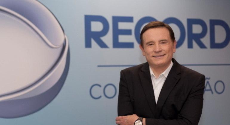 Roberto Cabrini assume apresentação do Repórter Record Investigação