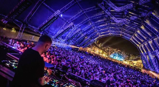 Lista de ocupações inclui DJs, contadores de história, esteticistas e instrutores