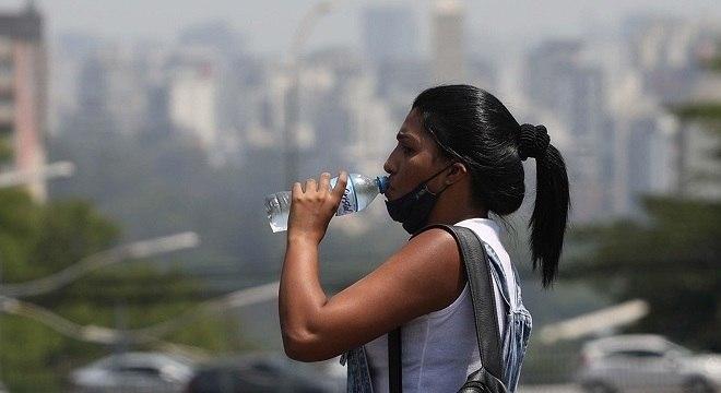 Baixos índices de umidade geram estado de atenção em São Paulo