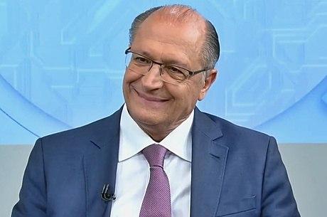 Alckmin critica Bolsonaro e Haddad em horário eleitoral