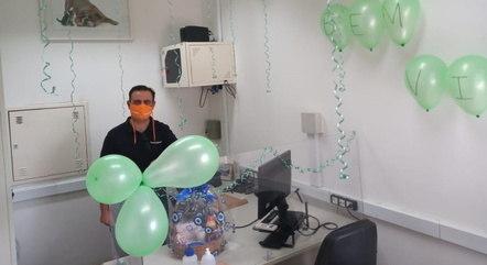 Alcimei foi recebido com festa no trabalho