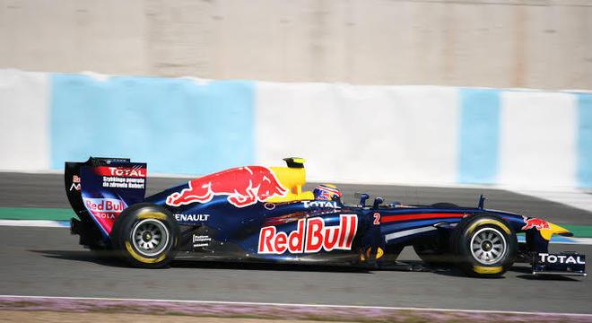 Briga absurda com a imagem. A equipe de Fórmula 1 para a Globo é RBR...