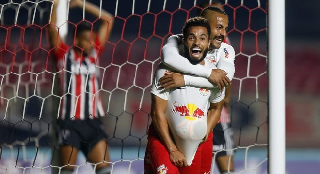 Red Bull Bragantino se aproveitou do frágil sistema defensivo do São Paulo