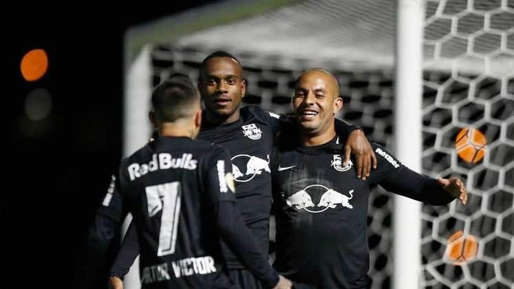RED BULL BRAGANTINO - Fez um grande jogo em Bragança e deu um nó tático em Abel Ferreira. Destaque para Ytalo, autor dos três gols da equipe na vitória sobre o Palmeiras que valeu a liderança do Brasileirão ao time.