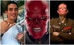 O tatuador Henry Rodriguez, sediado na Galícia, passou por 15 cirurgias dolorosas, incluindo uma amputação parcial do nariz, para parecer o vilão da Marvel Red Skull, o caveira vermelha, um dos principais oponentes do Capitão América