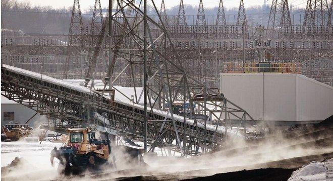 A rede elétrica dos Estados Unidos se estende por mais de 320 mil quilômetros de linhas de transmissão de alta voltagem