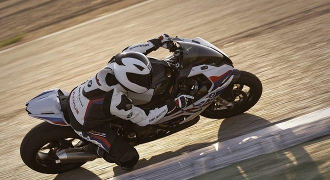 Redesenhada, a superbike alemã está mais bonita e eficiente  / Divulgação
