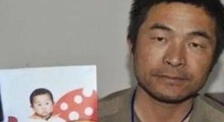 Guo Xinzhen foi sequestrado quando brincava na porta de sua casa, quando tinha apenas dois anos