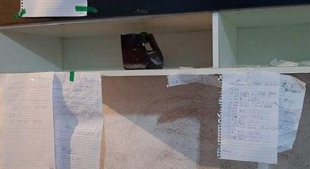 Policiais encontraram anotações na casa