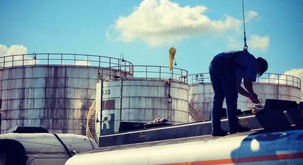 Petrobras destaca peso do ICMS no custo da gasolina