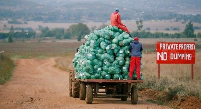 Cerca de 90% das terras sul-africanas estão nas mãos de fazendeiros brancos
