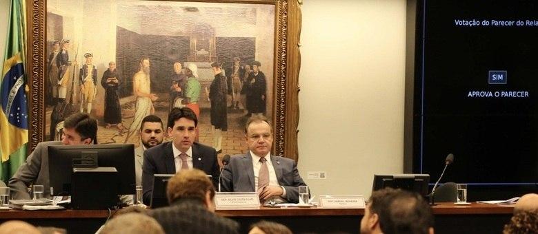 Deputado Samuel Moreira (PSDB-SP) apresenta parecer da reforma da Previdência