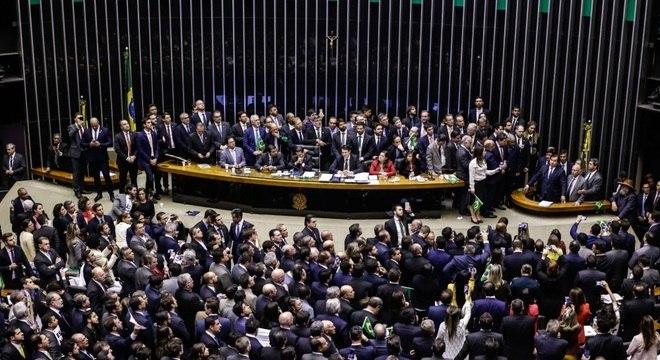 O plenário da Câmara dos Deputados lotado, no dia da votação da reforma da Previdência
