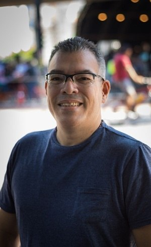 Edgar Carrillo dá aula de espanhol