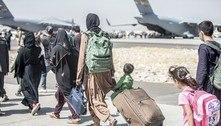 Afegãos se apressam para fugir até o fim das operações de retirada