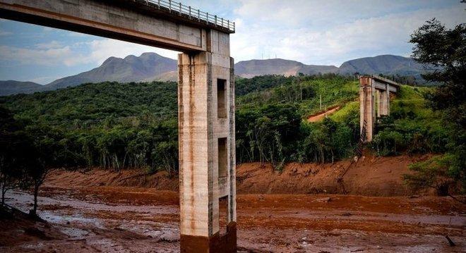 Rompimento de barragem em Brumadinho deixou ao menos nove mortos