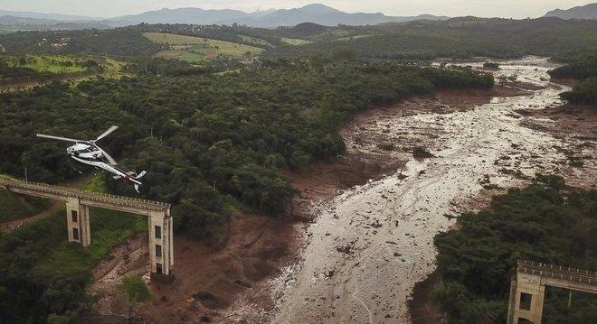 Ponte foi levada pela lama de rejeitos