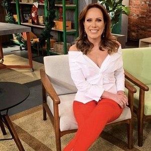 """Regina Volpato, apresentadora do """"Mulheres"""""""