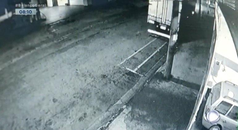 Câmera registra atropelamento de homem na zona norte de SP