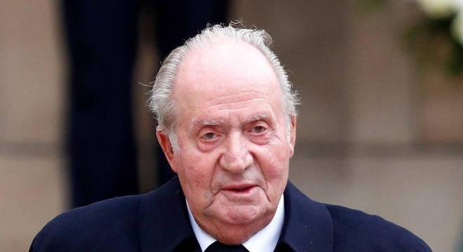 Rei emérito Juan Carlos I, envolvido em escândalo, deixou a Espanha