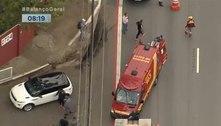 Lateral Reinaldo, do São Paulo, atropela ciclista na entrada do CT
