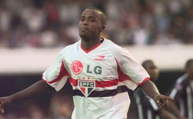 Reinaldo - O atacante estreou no Torneio Rio-São Paulo de 2002, quando marcou dois gols no empate por 3 a 3 contra o Etti-Jundiaí, no dia 19 de janeiro.