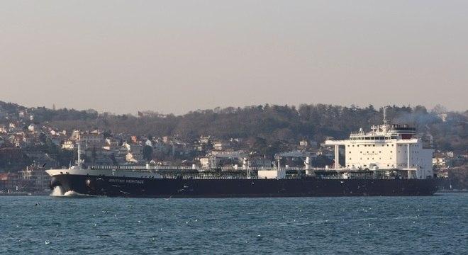Autoridades de Gibraltar sustentam que a embarcação levava petróleo para a Síria