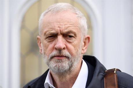 Corbyn se reuniu com os principais deputados do partido